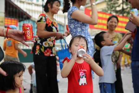 Nước ngọt, bánh mì miễn phí ngày Quốc khánh